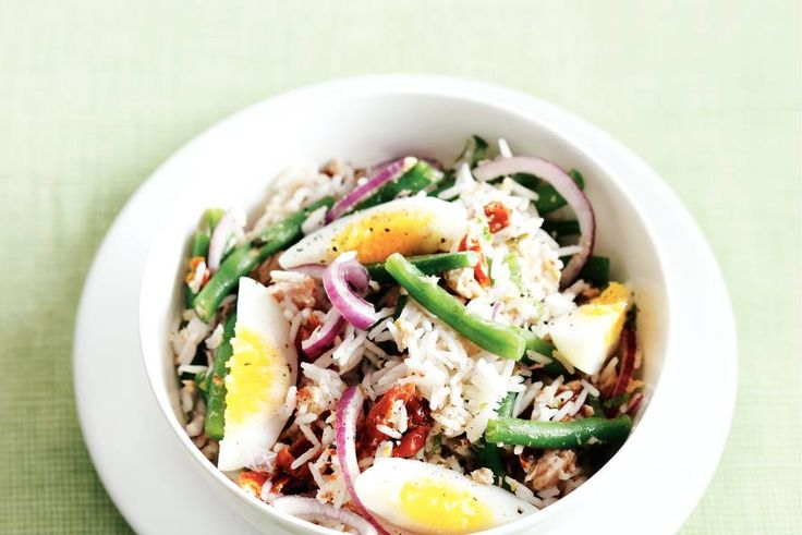 Rijstsalade met tonijn
