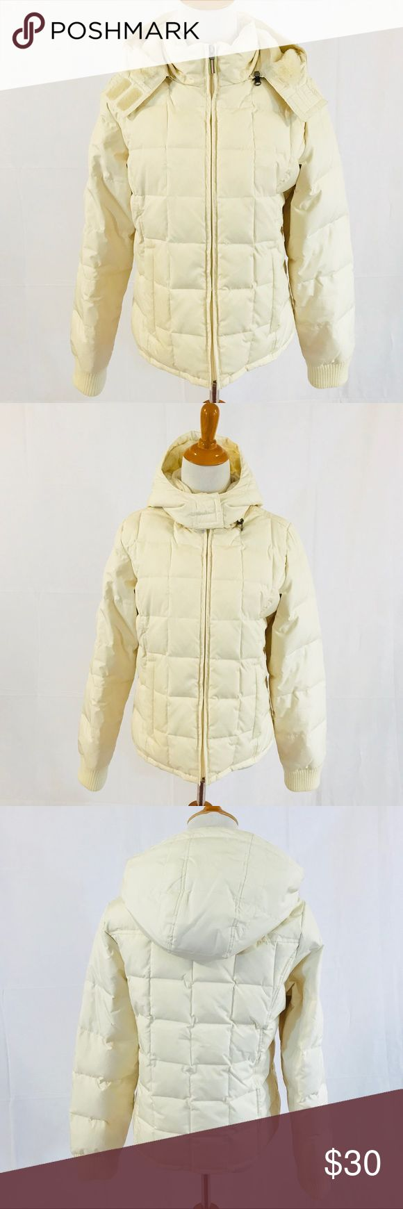 """Cozy Warm Cream Puffer Jacket Old Navy Like new, and perfect. So warm and pretty. The faux fur lining in the hood is super soft! Measures 20"""" across chest, 23"""" long. Please no trades or insulting offers. Old Navy Jackets & Coats Puffers"""