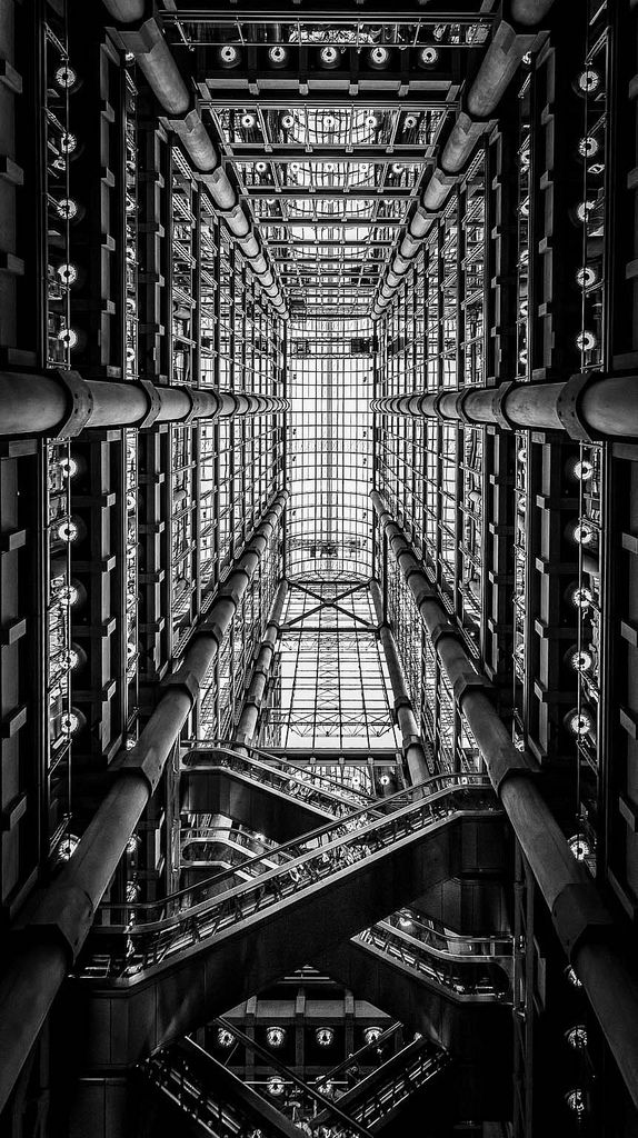 Visions of an Industrial Age // Lloyd's Building, London, 1978-86. Richard Rogers Architects. (by LeePellingPhotography.co.uk)