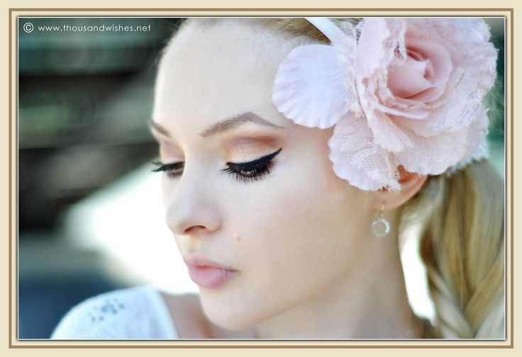 http://www.thousandwishes.net/wp-content/uploads/2013/09/06_earth_tones_makeup_nude_lips_flower_accessory.jpg