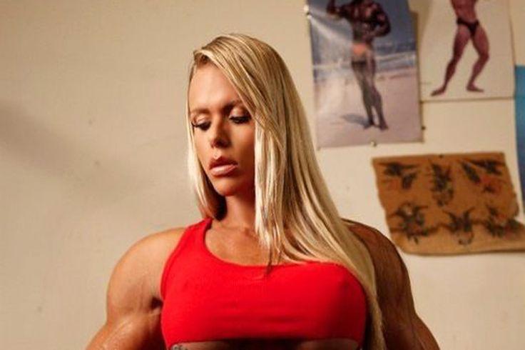 Larissa Reis continua a se destacar no fisiculturismo.