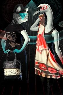 """Delicious Freaks sur #venteprivee. Foulards """"les péchés capitaux"""" : vous êtes plutôt gourmandise ou luxure ?  www.vente-privee.com"""