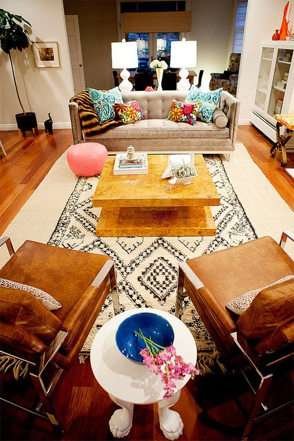 You've got to check out the rest of Heather from Dooce's living room pictures... incredible!