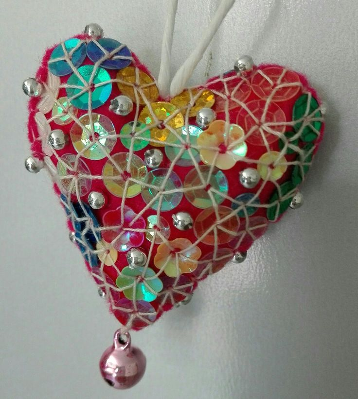 heart 2016  - handmade by mariarosa - red felt, bell and multicolored paillettes.