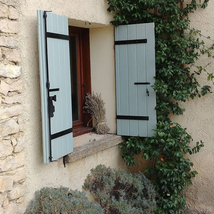 4 pairs of window shutters down still 6 to go. Pfew !  And of course the windows as well. But it starts taking form :-). The holidays are well filled with painting and swimming ;-). BTW did yoy notice our bookings for 2018 are open ? http://ift.tt/2bbtSrn. #myholidaysinprovence