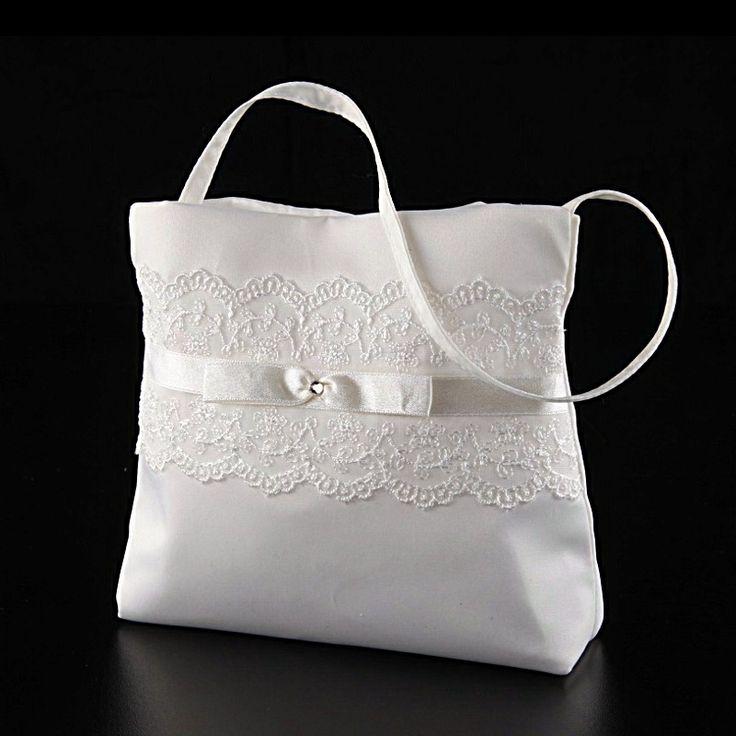 Elegante Achberger Satin-Tasche mit Spitze in ivory oder weiß für die Hochzeit.