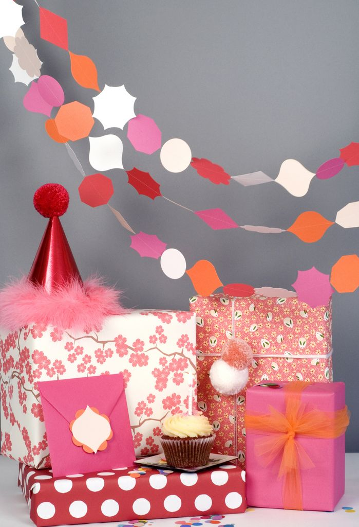 : Giftwrap, Hands Made, Parties, Gifts Wraps, Diy Gifts, Garlands, Handmade Gifts, Pretty Packaging, Wraps Gifts