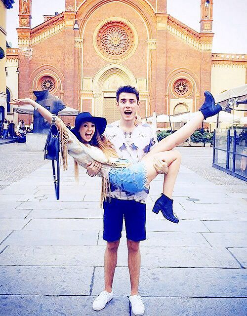 Zoe Sugg and Alfie Deyes. Ship it.
