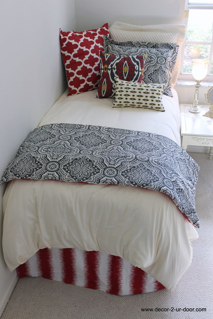 Dorm Bedding Decor 17 Best Ideas About Dorm Room Beds On Pinterest College Bedding