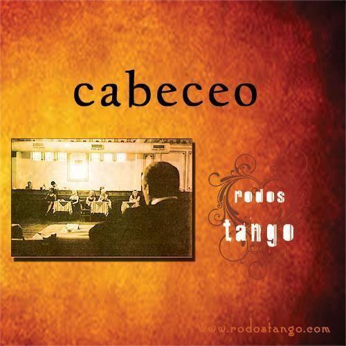 "Cabeceo technique ""Cabeza"" σημαίνει ""κεφάλι"" στα Ισπανικά και ""cabeceo"" είναι η λέξη η οποία αναφέρεται στον νεύμα του κεφαλιού και χρησιμοποιείται για να σηματοδοτήσει την προσφορά και την αποδοχή των χορών σε μια milonga. ..."