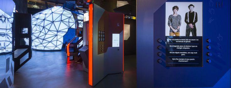 """https://flic.kr/p/U3a1ie   Sala del Laberinto   Exposición temporal para CosmoCaixa: """"Talking Brains: Programados para hablar"""""""