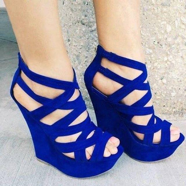 Cobalt Blue Platform Wedges -- 30 Ultra Trendy Wedge Sandals On The Street - Style Estate -