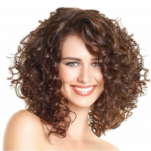 Steam your hair with the Q-Redew to refresh a style, restyle, or rejuvenate second day hair without the shrinkage caused by saturating the hair. #QRedew #SecondDayHair #NaturallyCurly