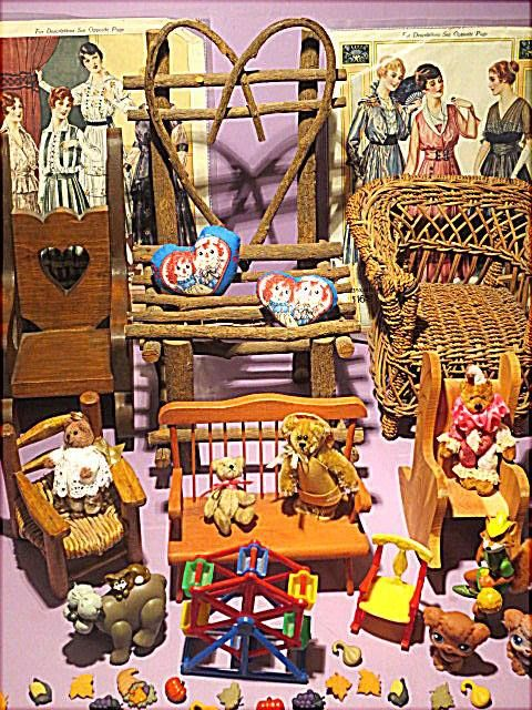 Doll furniture, Miniatures, pillows for dolls...