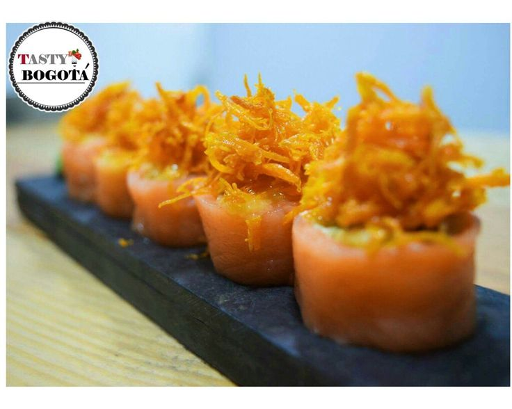 Salmón crunchy. Sushi ink