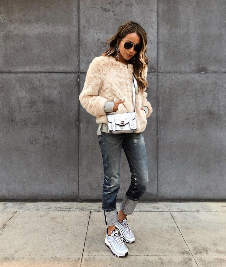 If I could wear sneakers everyday, I would. | Shop this look: http://liketk.it/2u1Mb #liketkit