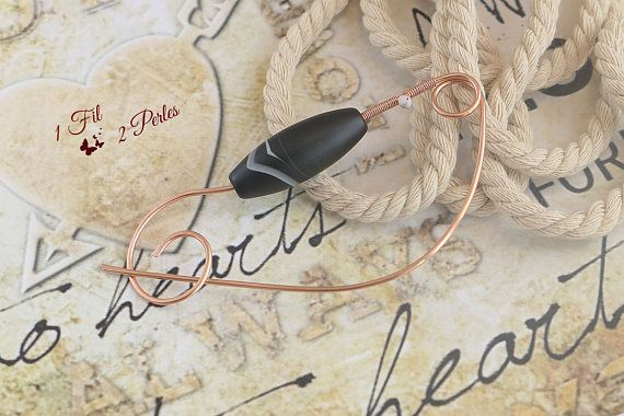Broche Epingle Perle Agate Noire Blanche en Cuivre Wire