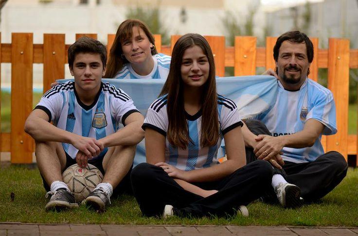 ¡Hacé pin con tu foto alentando a la selección argentina!  #YoAlientoArgentinaDesde + Tu Ciudad   #Mundial #Argentina #Brasil2014 #Futbol