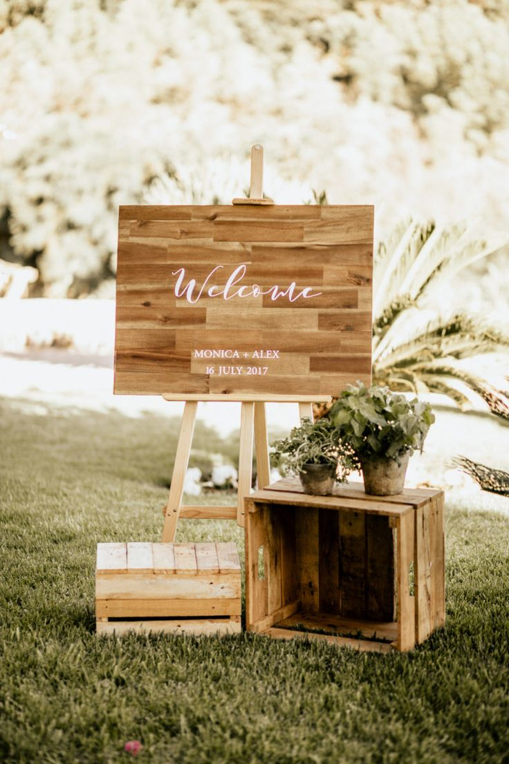 welcome board  in a mediterranean wedding in Mallorca by Mille Papillons    Pic by Chris&Ruth