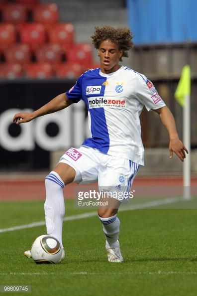 98809745-rolf-feltscher-of-grasshopper-club-in-action-gettyimages.jpg (396×594)