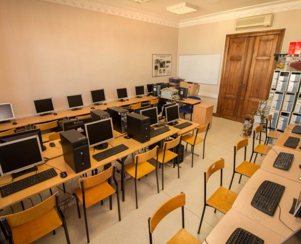 Pracownia komputerowa, w Poznaniu #sale #saleszkoleniowe #salepoznan #salapoznan #salaszkoleniowa #szkolenia  #szkoleniowe #sala #szkoleniowa #poznaniu #konferencyjne #konferencyjna #wynajem #sal #sali #poznan #poznań #szkolenie #konferencja #wynajęcia #salekonferencyjne