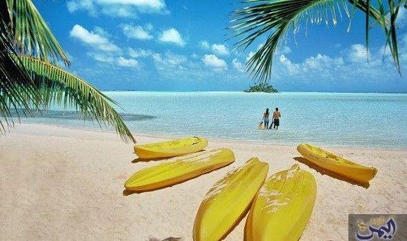 جزر المالديف تمثل أشهر الأماكن السياحية لقضاء الإجازات Outdoor Pool Float Outdoor Decor