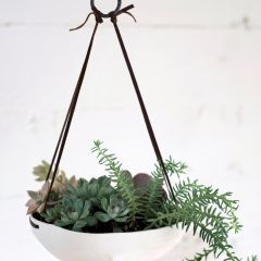 : Idea, Hanging Plants, Pigeon When, Gardens Planters, Hanging Trays, Hanging Planters, Faceted Hanging, Toe Ceramics, Pigeontoe