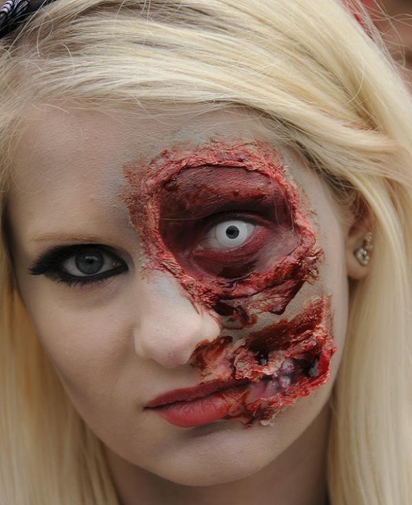 best and scary halloween makeup ideas 2015 easyday - Where Can I Get Halloween Makeup Done