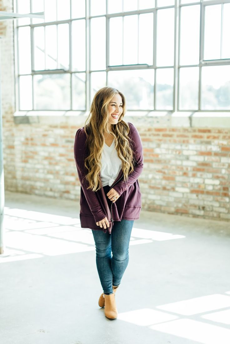 Trend Spin Linkup - Boots + Jack Rogers Shoes Giveaway by East Memphis fashion blogger Walking in Memphis in High Heels