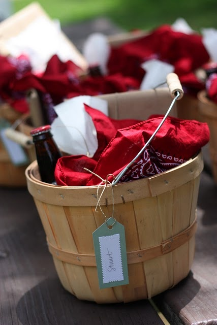 Individual picnic baskets.  I use them for gift baskets for canning.  Available at Michaels