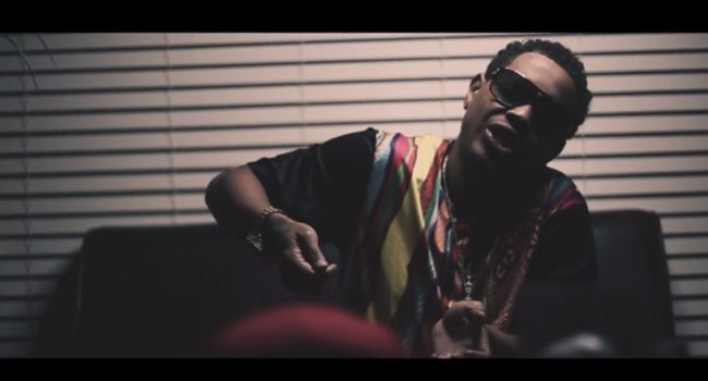 """[Video] OJ DA JUICEMAN (@OjDaJuiceman32) """"RAP DON'T WORK""""- http://getmybuzzup.com/wp-content/uploads/2014/10/OJ-DA-JUICEMAN-RAP-DON'T-WORK.png- http://getmybuzzup.com/oj-da-juiceman-rap-dont-work-video/- OJ DA JUICEMAN """"RAP DON'T WORK"""" ByAmber B For OJ Da Juiceman, if all fails with rapping hits, its back to packing bricks. In the meantime, he's locked in the lab for his short clip.The Otis Williams Jr. Storywill be told November 23.  Follow me:Getmy"""