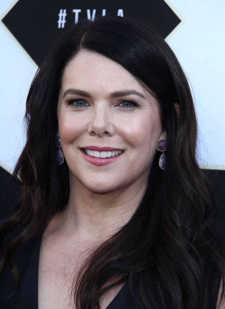 Immagine di http://www.gotceleb.com/wp-content/uploads/photos/lauren-graham/2015-tv-land-awards-in-beverly-hills/Lauren-Graham:-2015-TV-LAND-Awards--04.jpg.