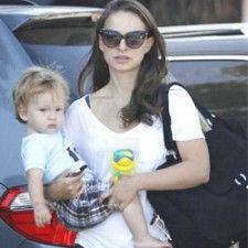 Nathalie Portman gebruikt Flip-it van #Nûby voor celeb baby | Babystuf