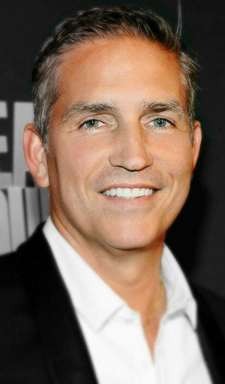 Jim Caviezel is such a hot babe!! #personofinterest