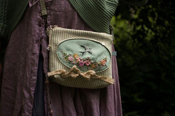 """Купить Сумка """"Les Hirondelle"""" - сумка, сумочка через плечо, ласточка, вышитая сумка"""