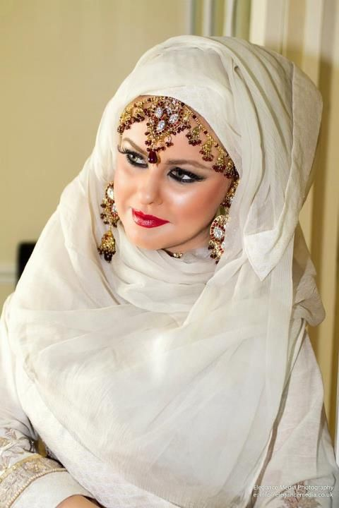 The jewelry is a little too heavy for my taste, but this girl is beautiful mashAllah!
