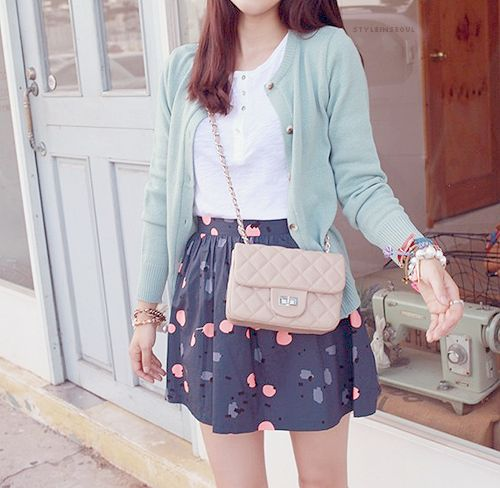 I love the combination of colors, overall super cute and ready for spring!