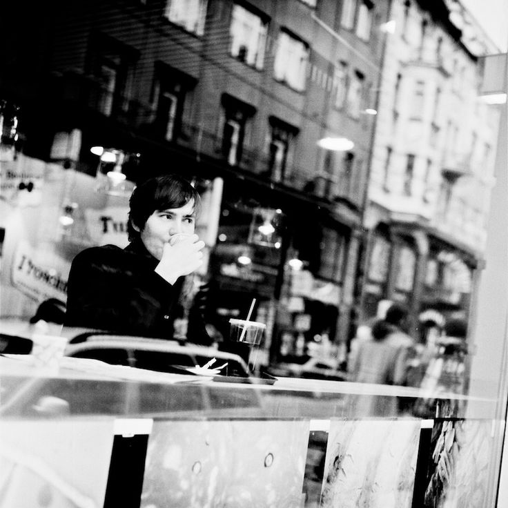 #MichelAtreides #fallingintoadream #rolleiflex28f #rollei400 #filmphotography #analoguephotography #film #blackandwhitephotography #czechrepublic #prague
