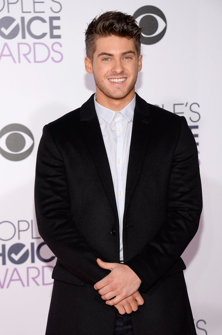 Pin for Later: Les Hommes les Plus Sexy d'Hollywood Se Sont Tous Rendu aux People's Choice Awards 2016 Cody Christian
