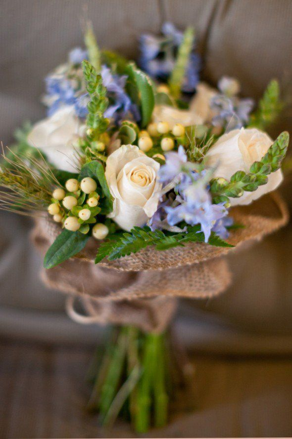 pinterest wedding buoquet | Burlap Wrapped Wedding Bouquets - Rustic Wedding Chic