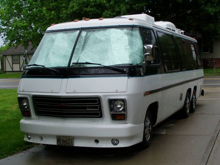 Vintage Class A RV Classifieds in United States and Canada on Craigslist & eBay - 1975 GMC Palm Beach 26FT Motorhome For Sale in Independence, Missouri.
