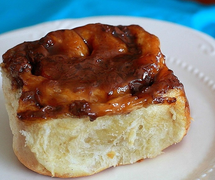 Sticky Chocolate Cinnamon Buns | Breads & Deserts (sweets) | Pinterest