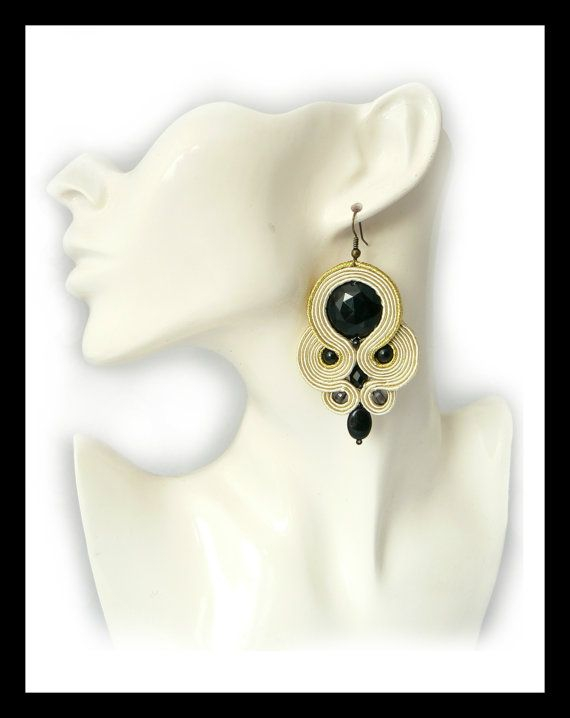 Soutache earrings nude ecru black Maya's design by Mayasbijou €12.15 EUR on Etsy.com