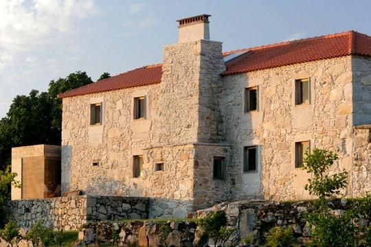 Une bien large maison au Portugal