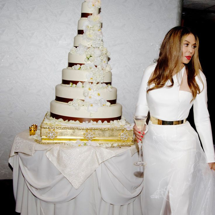 Tina Knowles at her wedding, 2015