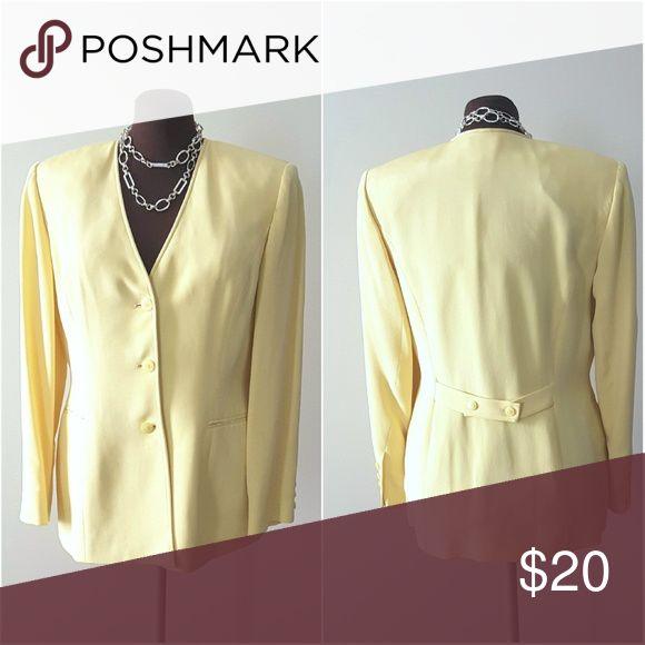"""💛💚💛DUE PER DUE Solaria Jacket💛💚💛 DUE PER DUE Solaria Jacket size 8 Sleeve 23"""" Bust 38"""" Waist 38"""" DUE PER DUE Jackets & Coats Blazers"""