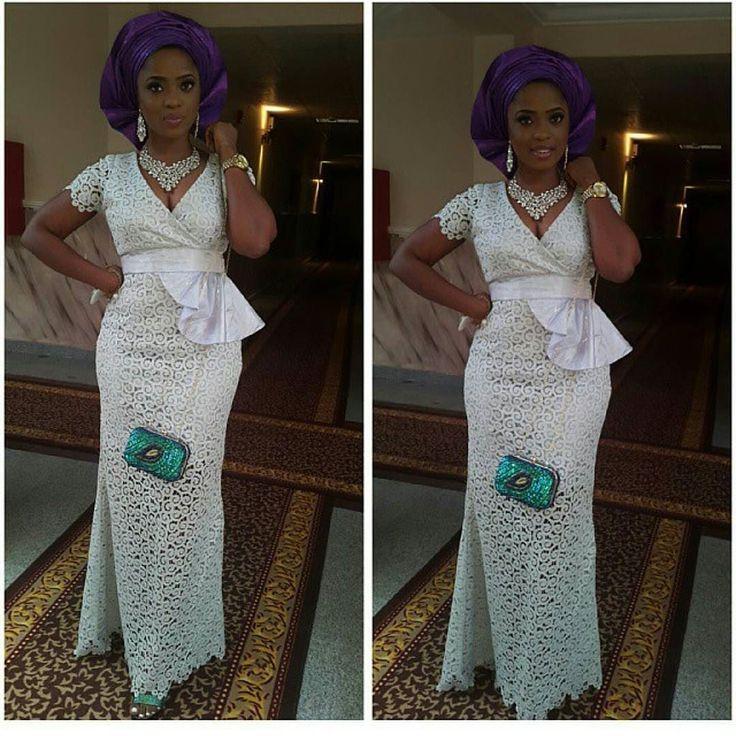 White Aso Ebi is quite rare. Looks really good @oluwatobilobaajayi