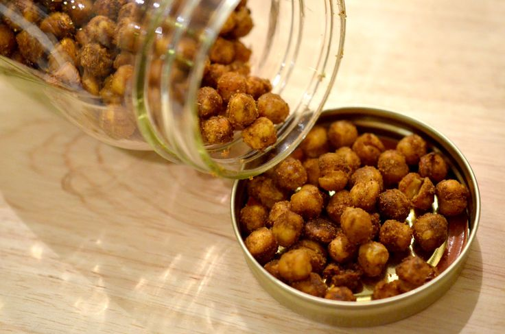[ Toasted Chick Peas Recipe ] Easy and delicious snack for busy people on the go. Its packed with protein and is gluten free and vegan! #vegan #vegetarian #glutenfree #dairyfree #snack