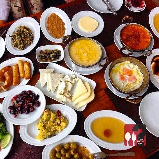 Serpme Kahvaltı - Doğal Dükkan / Giresun ( Keşap )  Telefon : 0 454 612 12 12 Fiyat : 17,50 TL / Kişi Başı  Fotoğraftaki görsel 4 kişiliktir.