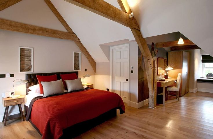 The Brown's Boutique B&B, Laugharne, Carmarthen, Carmarthenshire. Wales. Accommodation. Dining. Luxurious. Bed & Breakfast. Bar Snacks. Pub. #LuxuryBeddingBreakfast
